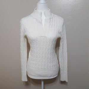 Classic style white sweater cable knit sz S
